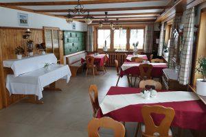 Gasthaus Bierhäusle Frühstücksraum Frühstücksbuffet weit