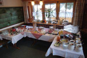 Gasthaus Bierhäusle Frühstücksraum Frühstücksbuffet