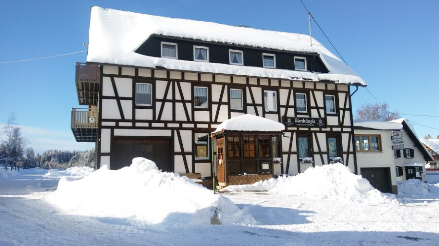 Gasthaus-Bierhaeusle-Winter-2020-2021-Front